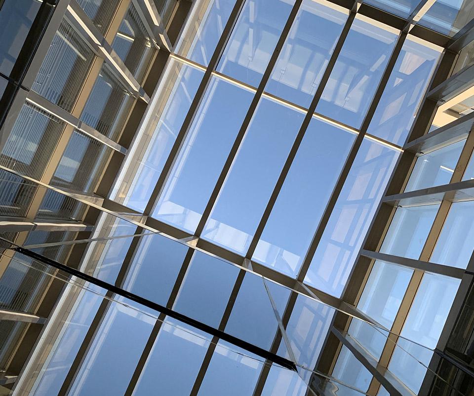 Ingeniería en Cristales, Aluminio y Fachada